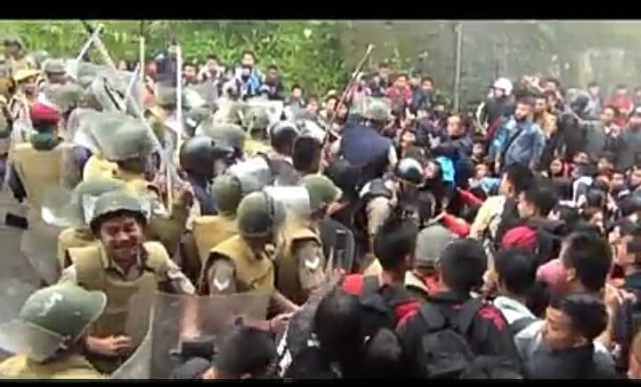 Assam Police personnel seen clashing with Mizo Zirlai Pawl supporters on Assam-Mizoram border on March 8. Credit: Special arrangement