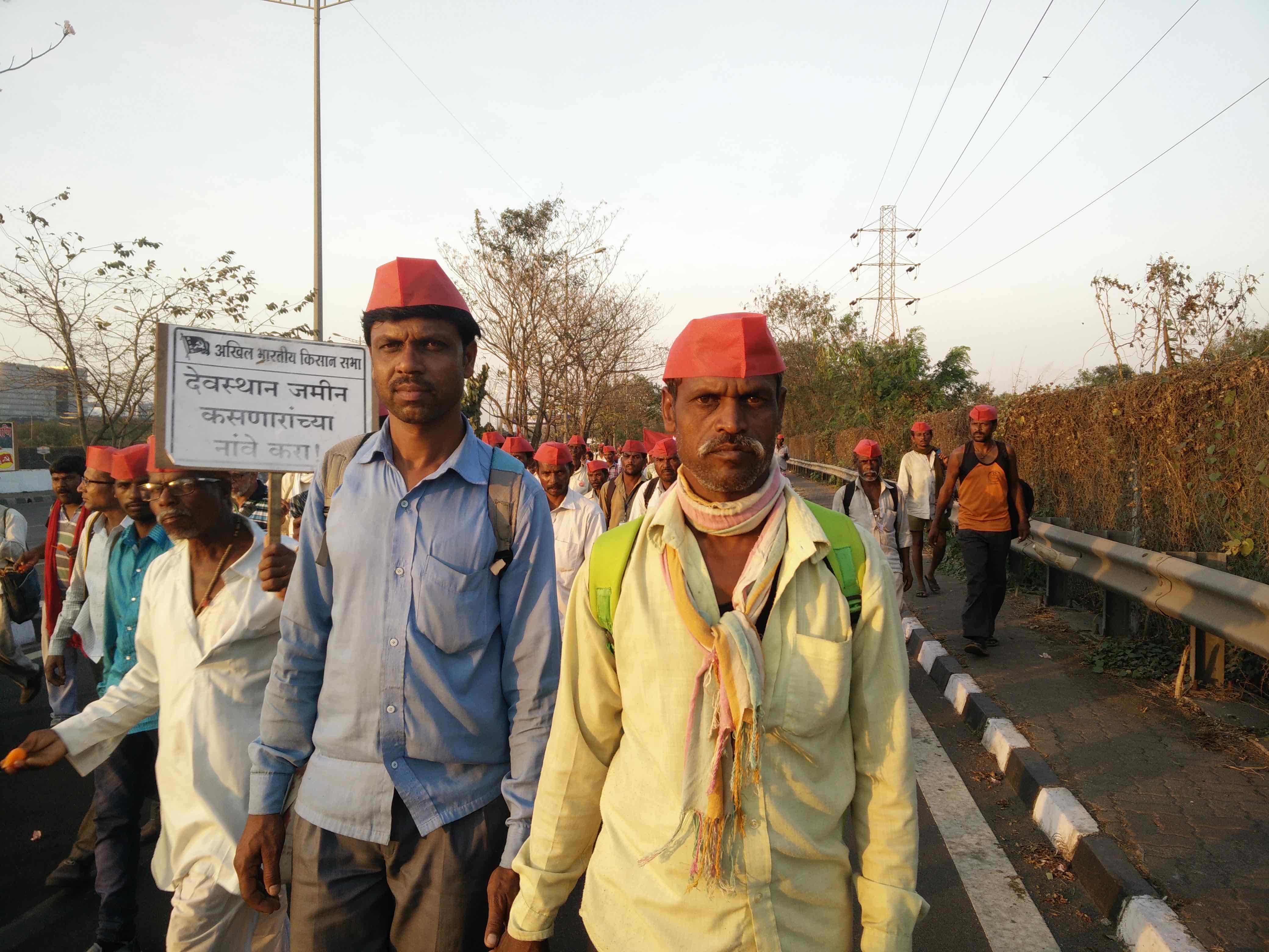 After 140 Hours of Walking, Maharashtra's Protesting Farmers Arrive in Mumbai