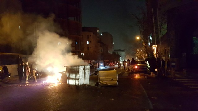 Interview: Legitimate Protests Have Been Taken Over By West-Backed Rioters in Iran