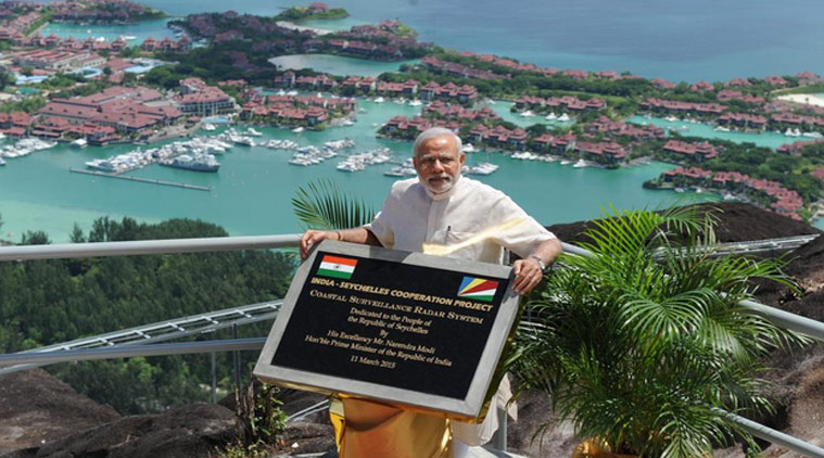PM Narendra Modi unveiling a plaque and operationalisation of radar for the CSRS India-Sychelles Cooperation Project in Mahé, Seychelles, in 2015. Credit: PIB India/Twitter