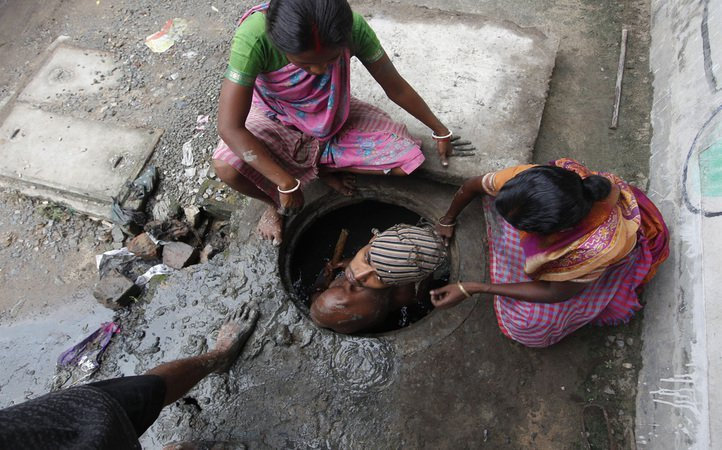 Centre Doesn't Know How Many People Have Died Cleaning Sewers or Received Compensation