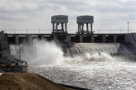 New Dams in Africa Could Add Risk to Power Supplies Along the Way