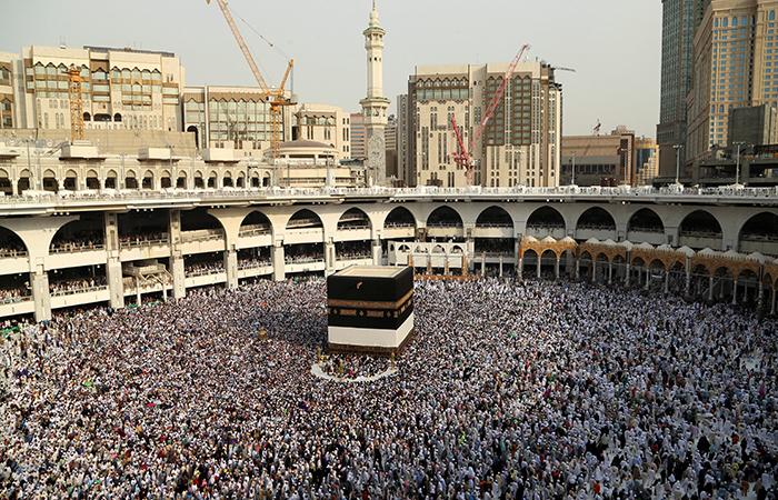 Representative image of people on Haj. Credit: Reuters