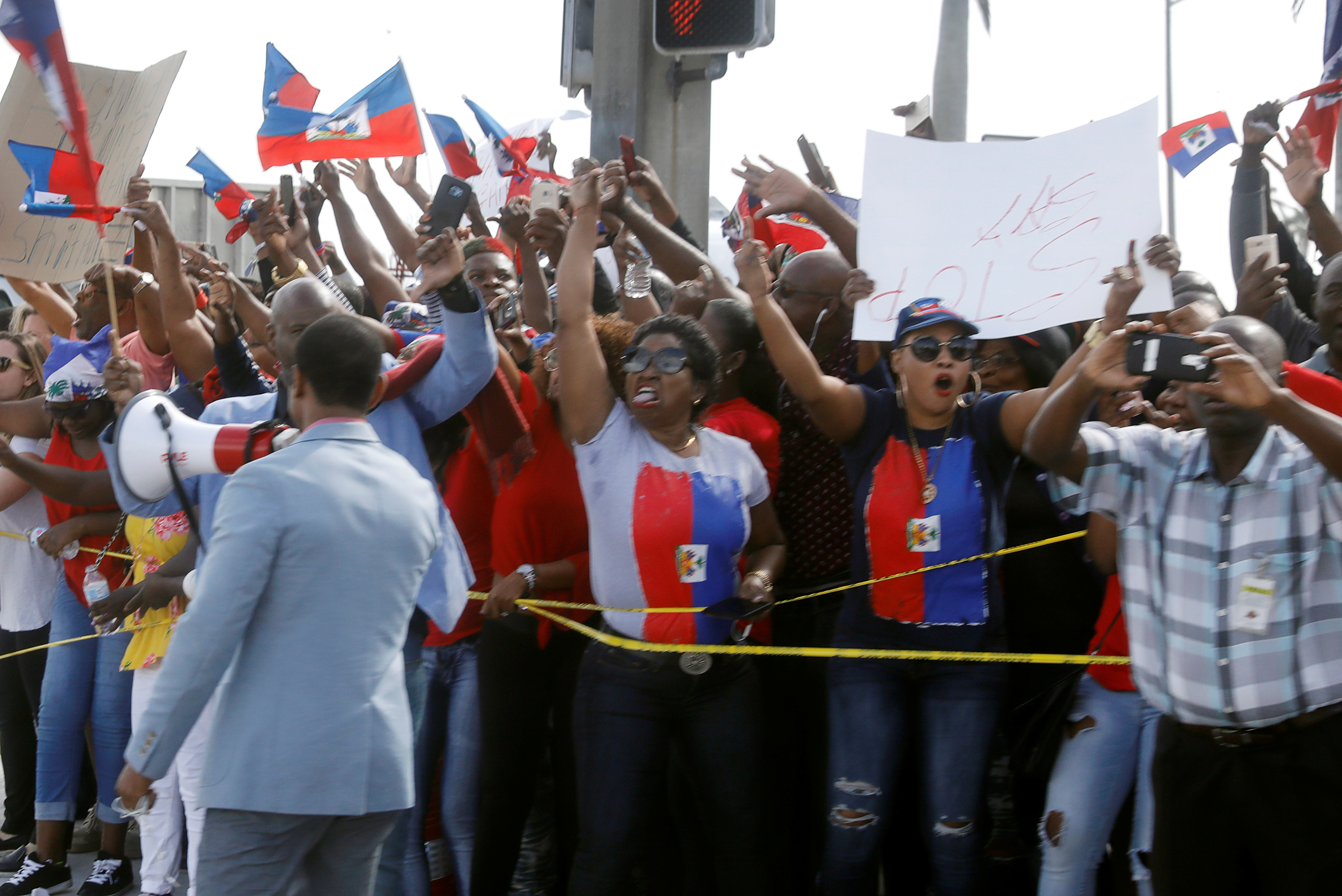 Haitians No Longer Eligible for US Visa for Low-Skilled Work: Trump Administration