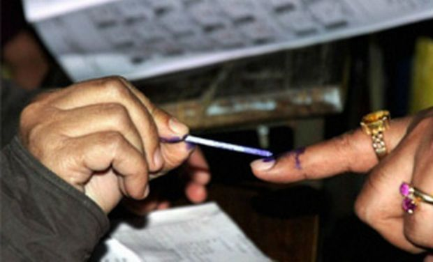 Concerned Over EC's Public Image, Former Chiefs Ask Poll Panel to Fix It