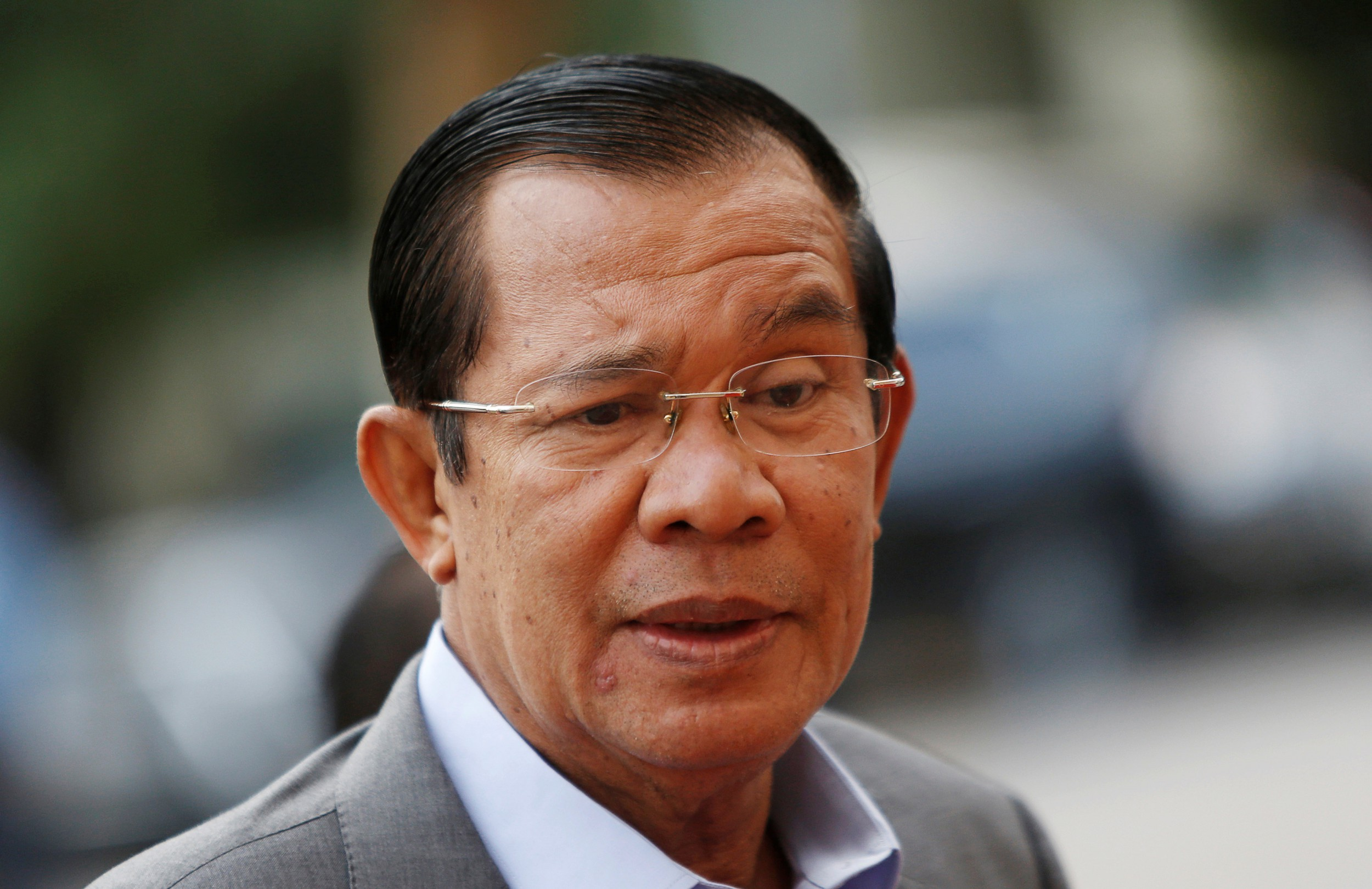 Cambodian PM Rebukes Media, Accuses Some of Fabricating Stories