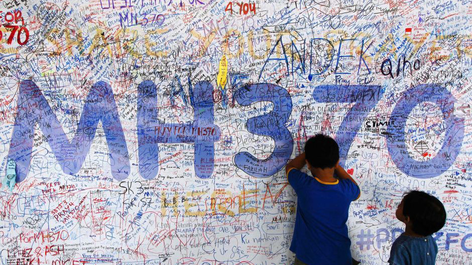 Malaysian Civil Aviation Chief Resigns Over Errors in MH370 Search
