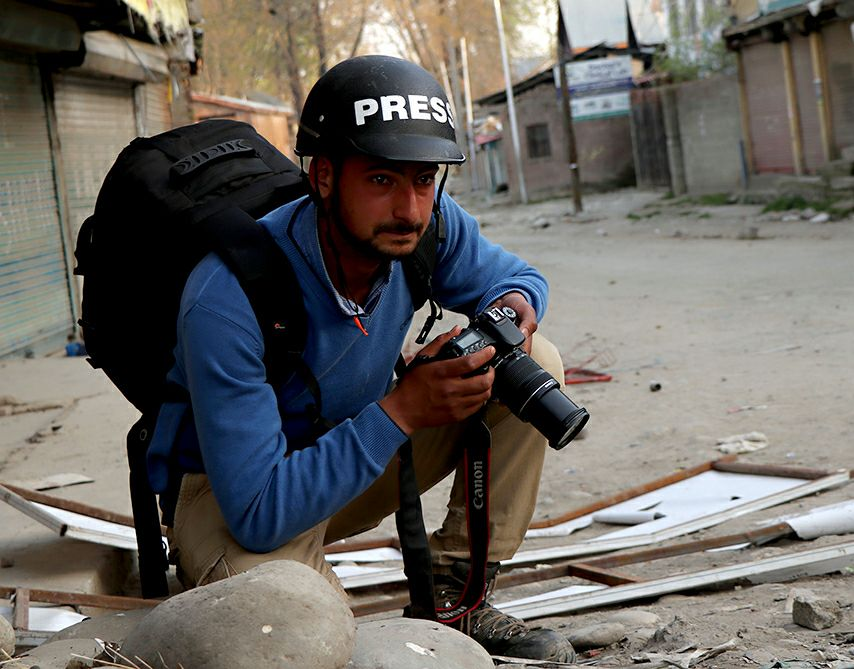 Kashmir: Journalist, Earlier Framed by NIA, Assaulted by Security Forces While Covering Gunfight