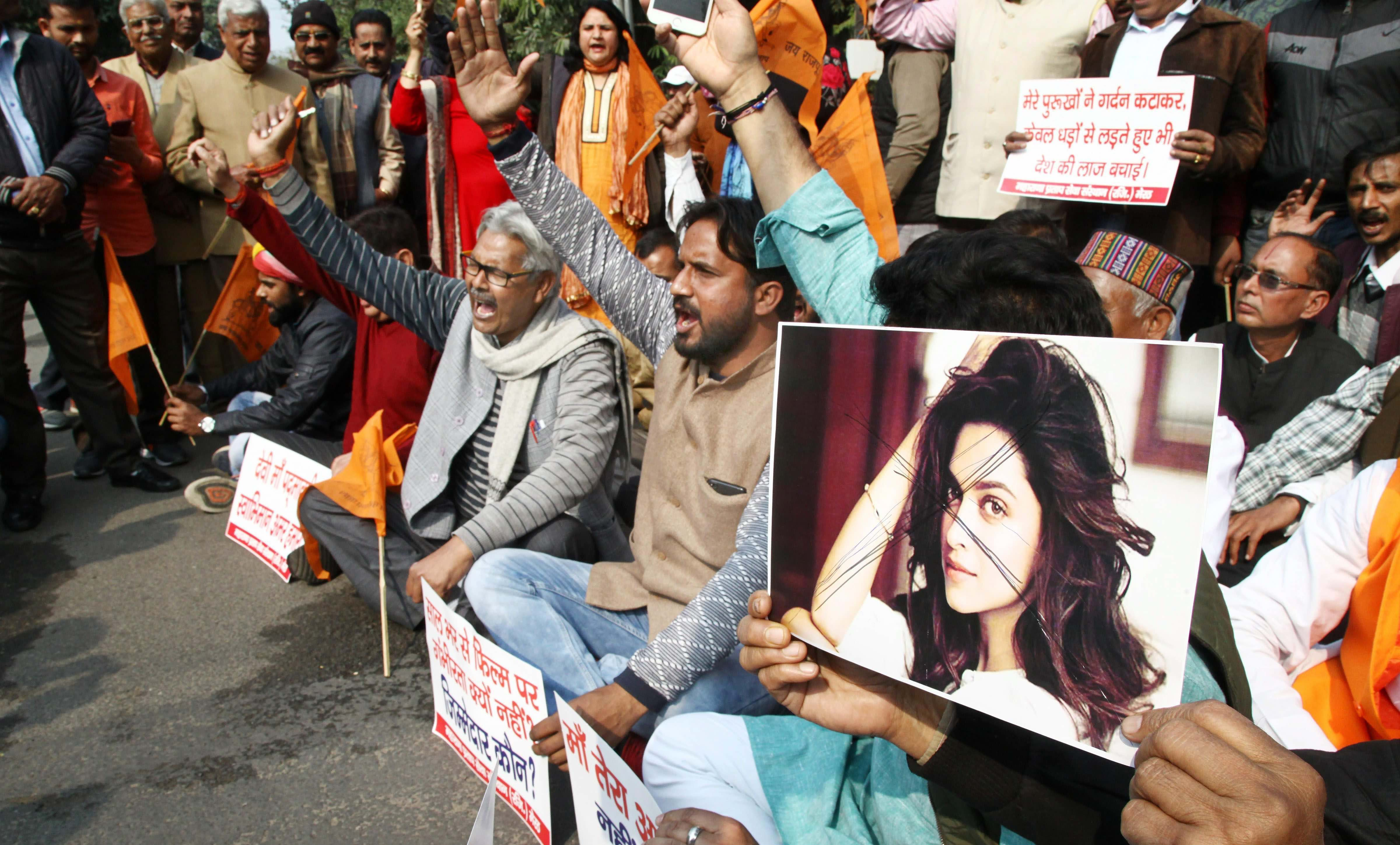 Members of the Rajput community protest against the release of film 'Padmaavat' in Meerut o Wednesday. Credit: PTI