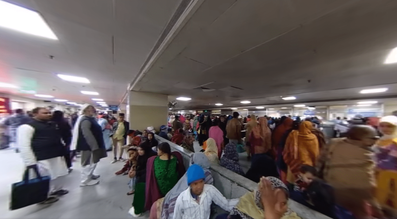 360° Video: Inside A Government Hospital In New Delhi