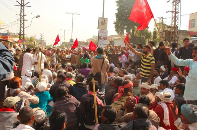 Protesters outside the CPI (M) office in Jaipur. Credit: Shruti Jain
