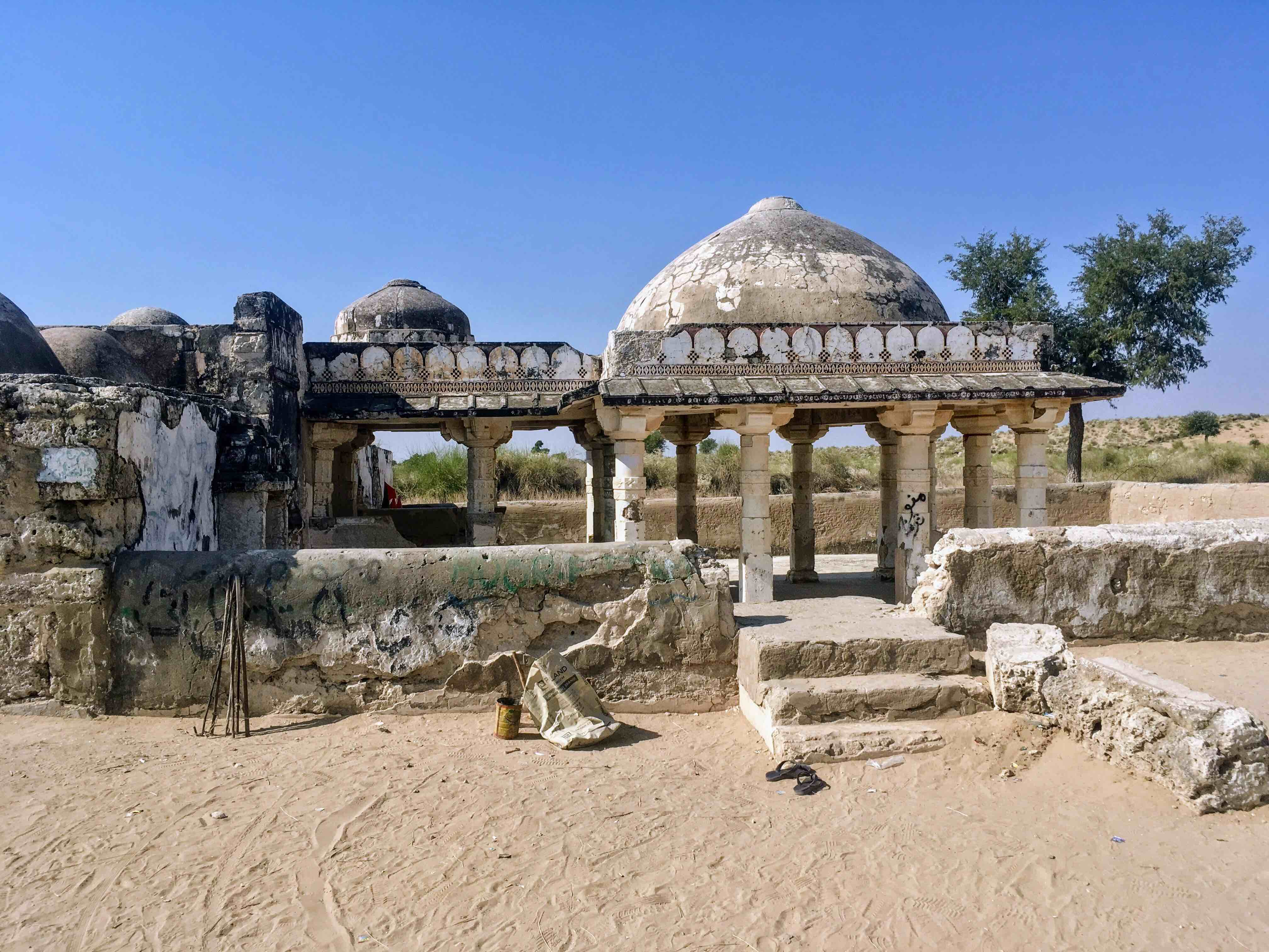 Gori Mandir. Built in 1375 C.E., this ancient Jain temple features rich Gujarati architecture. Jain pilgrims from across the world continue to frequent this place despite its dilapidated condition.