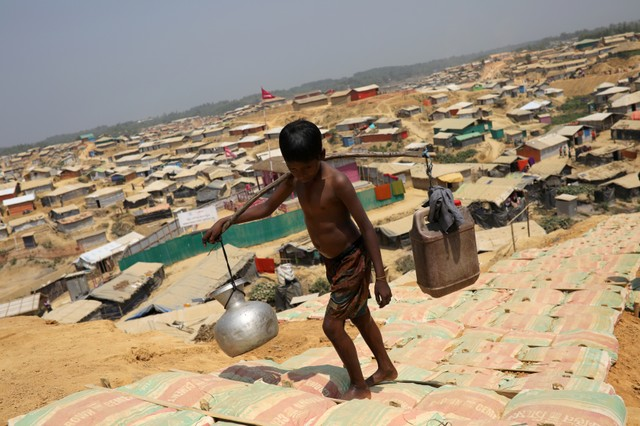 Bangladesh Sees Little Foreign Funds for Rohingya Refugee Island: Minister