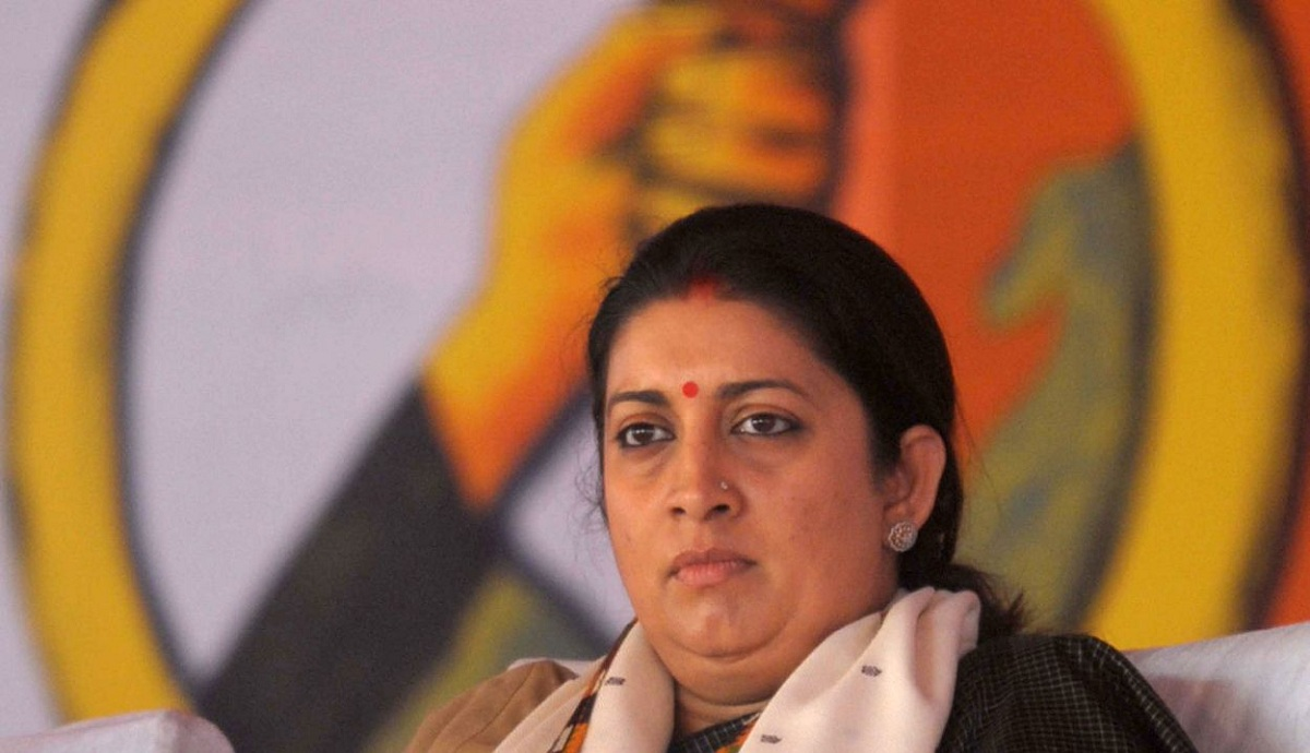 Journalists Write to Smriti Irani Expressing Concern Over Online Media Regulation