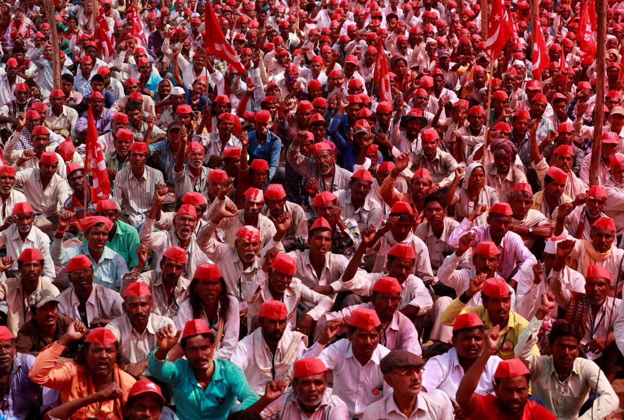 Farmers shout slogans against the government at a rally organised by All India Kisan Sabha (AIKS) in Mumbai, India March 12, 2018. Credit: Reuters/Danish Siddiqui