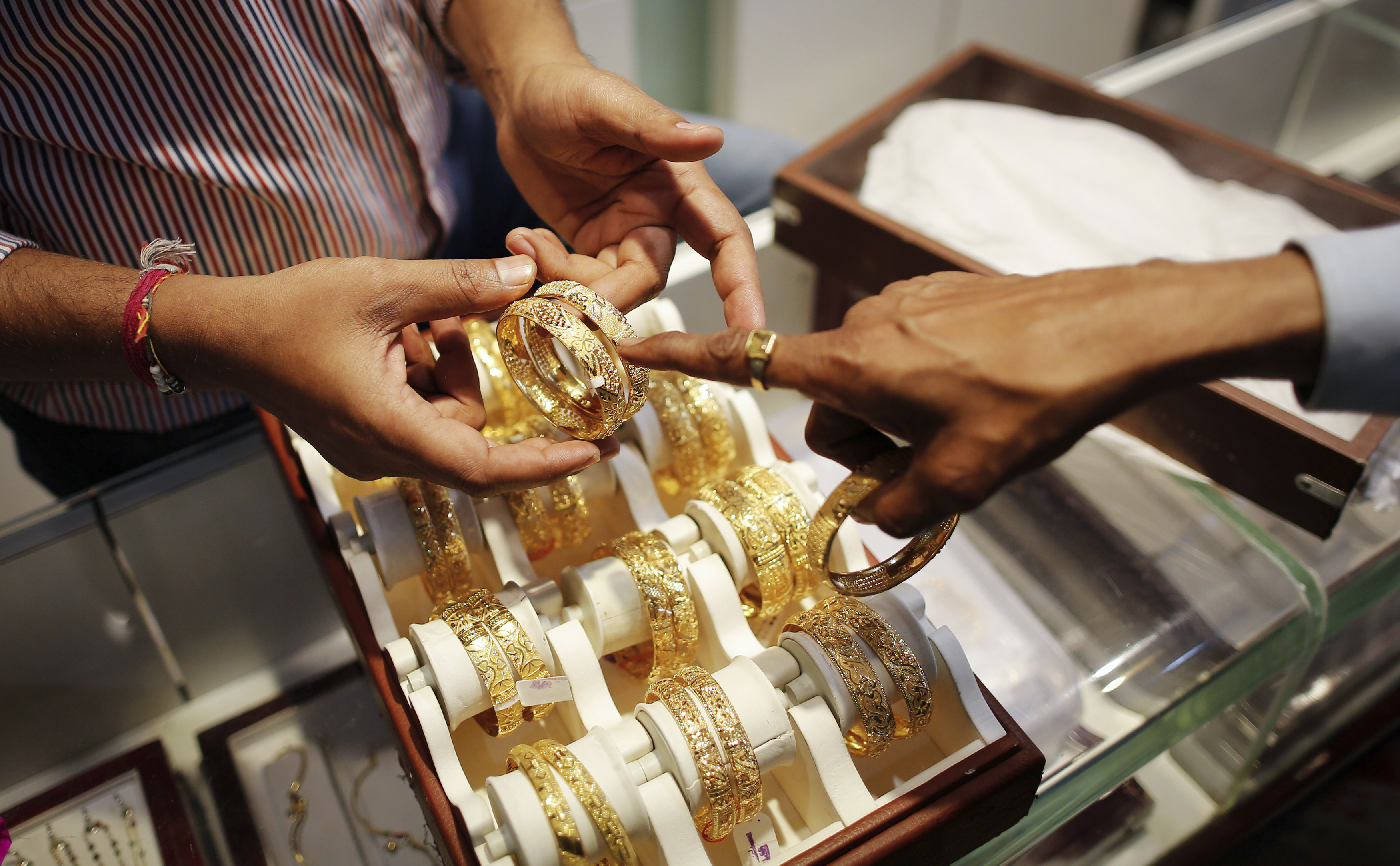 With Gems and Jewellery Blow, India's Exports Down 7% from 2014 Levels