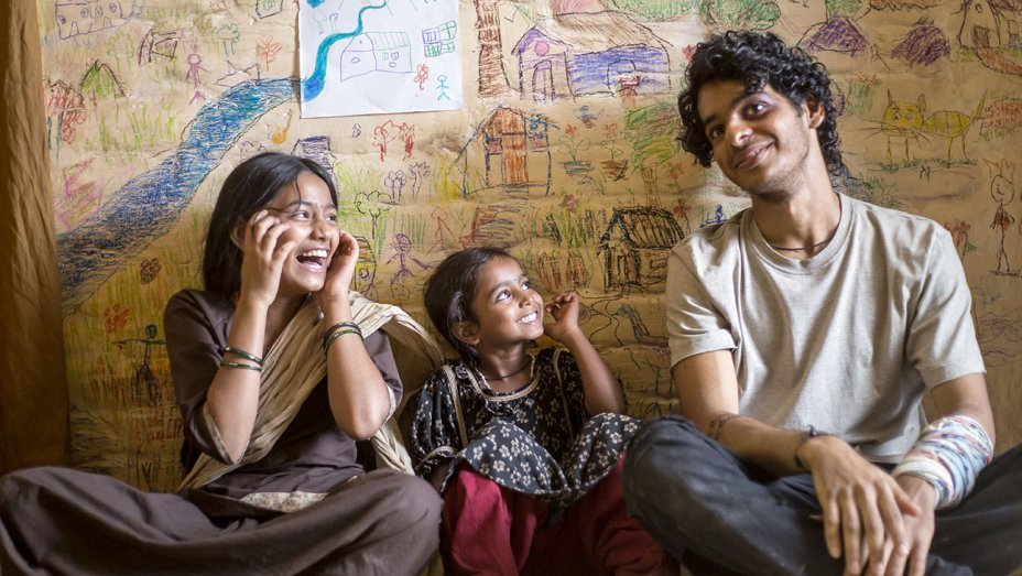 'Beyond the Clouds' Fails to Go Beyond Other Mumbai-Based Films
