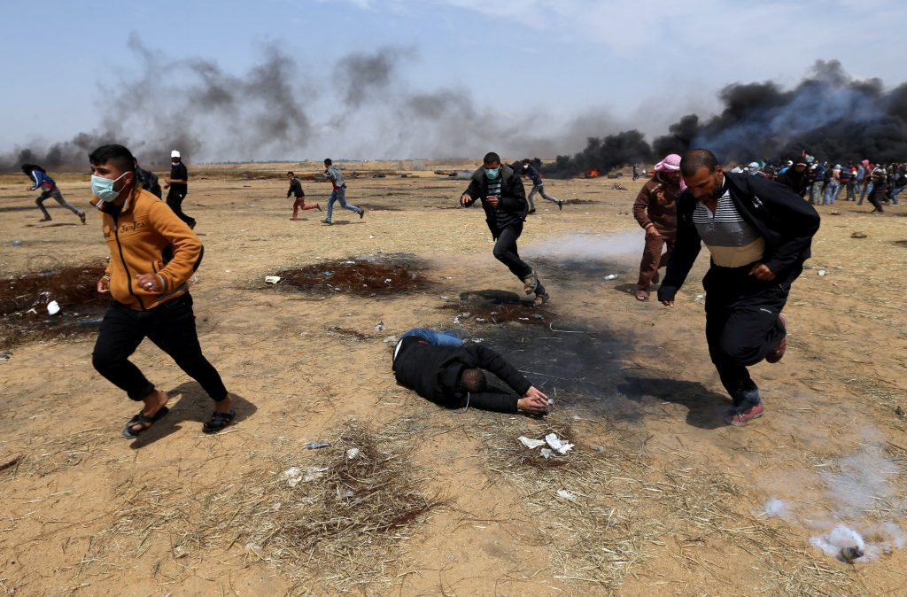 Israeli troops kill three protesters, injure 600 during 'riots' along Gaza border