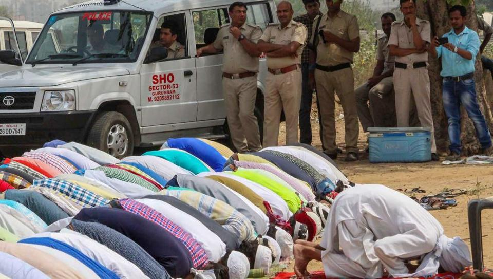 Friday prayers forcibly stopped by Hindu extremists at several places in Haryana