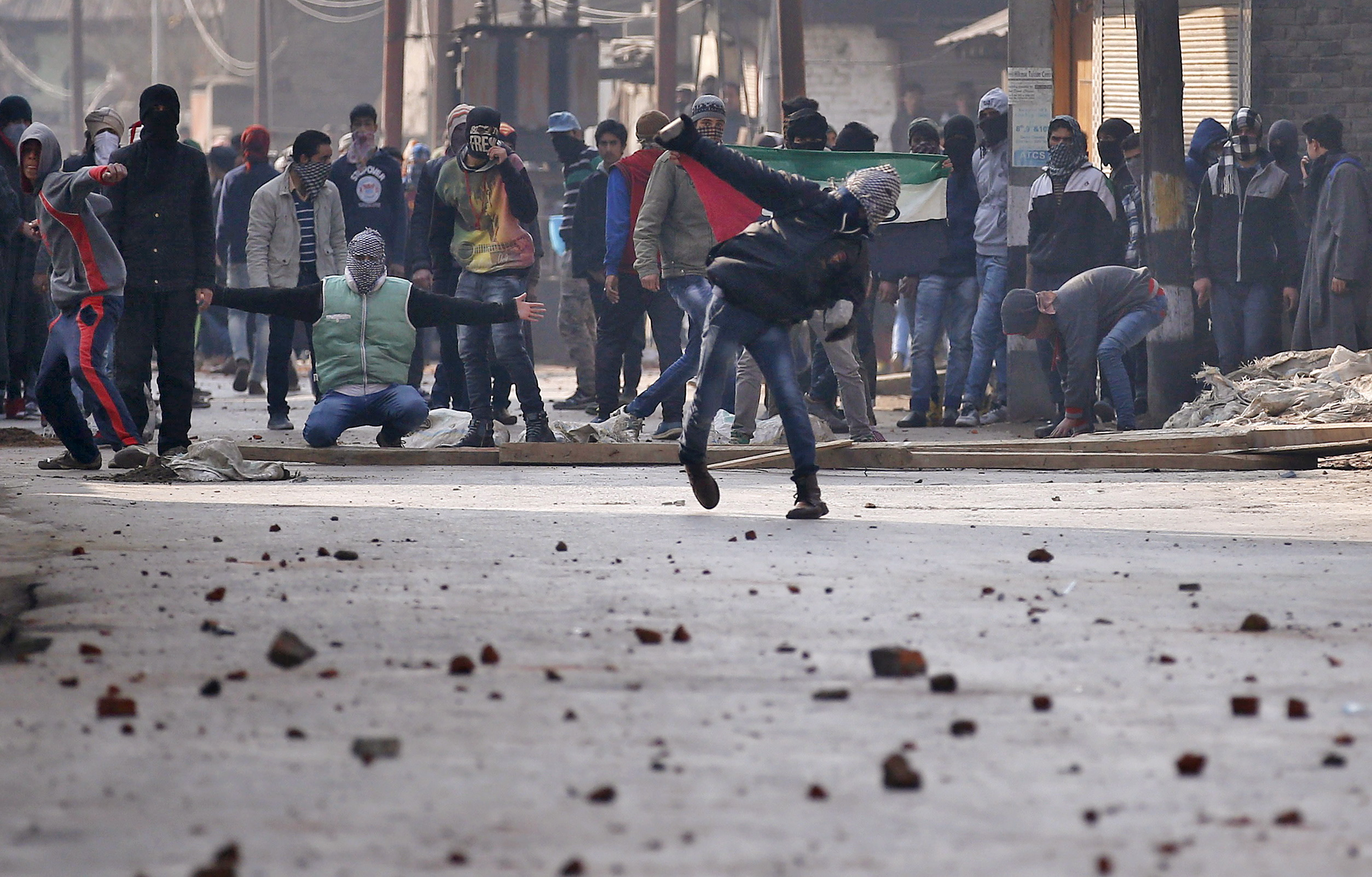 Chennai Tourist Killed in Stone Pelting Attack in J&K's Narbal