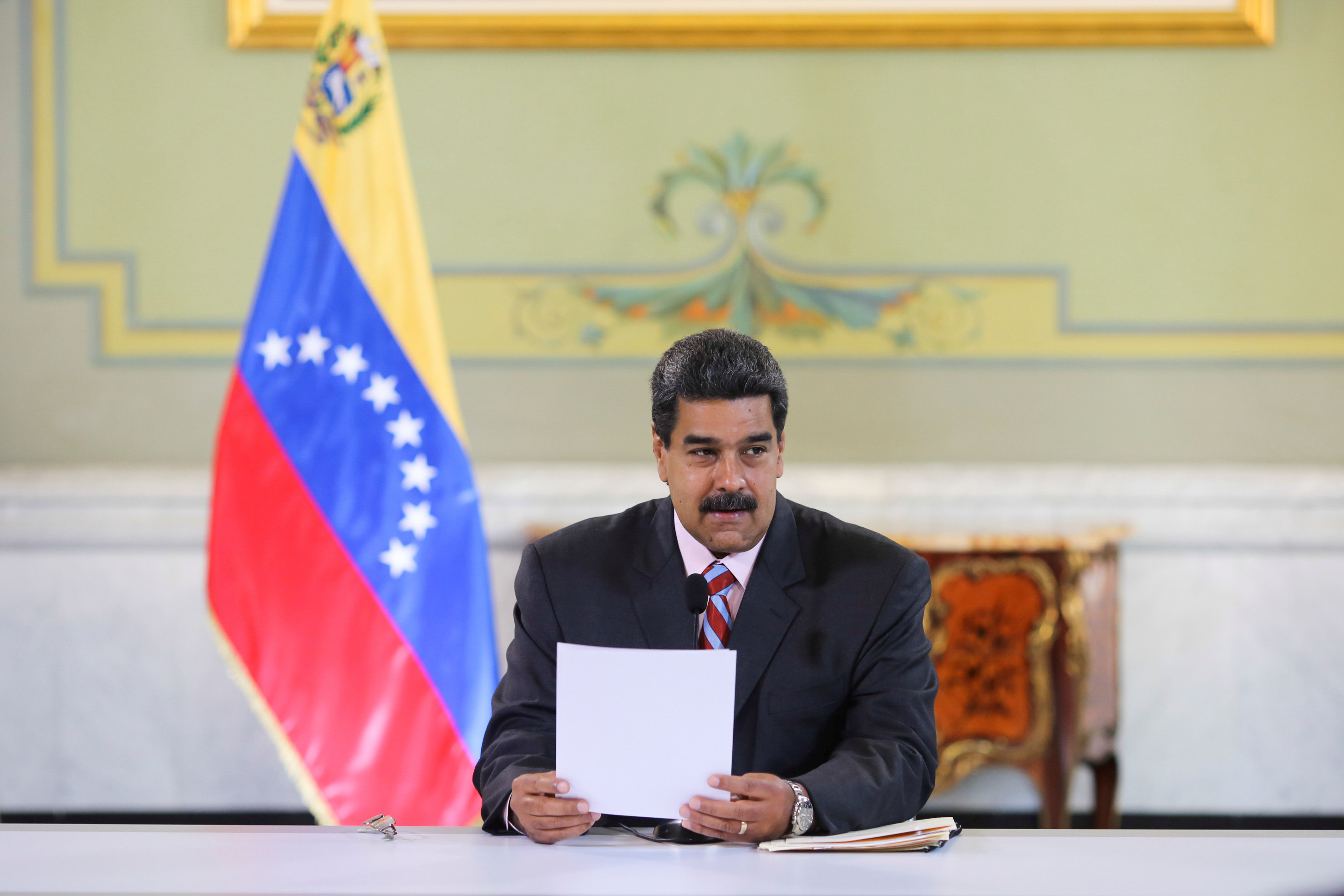 Venezuela's President Nicolas Maduro attends a meeting with banks and financial institutions representatives at Miraflores Palace in Caracas, Venezuela May 29, 2018. Miraflores Palace/Handout. Credit: Reuters