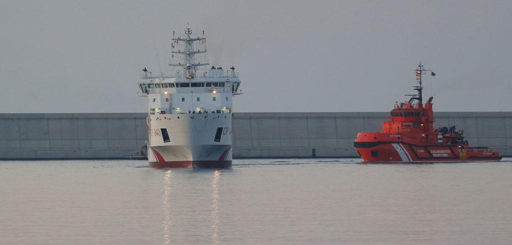 Boat Migrants Facing Anti-Migrant Feelings in EU Start to Arrive in Spain