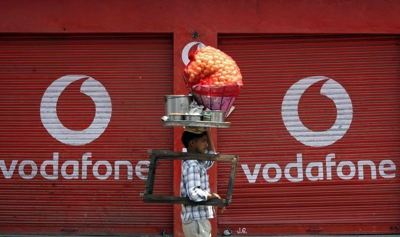 As Telecom Ministry Refers Spectrum Controversy to AG, Spotlight on 2015 Auction Case