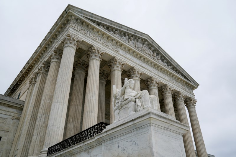 Law Forbidding Workplace Discrimination Applies to LGBT Too, US Supreme Court Rules