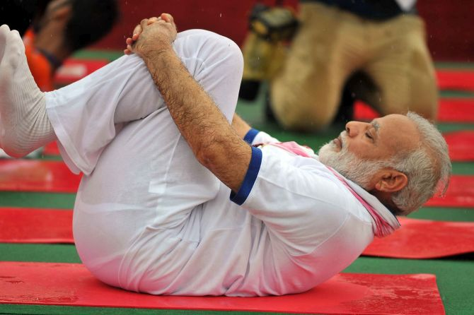 Past Continuous: June 21 is All About Hedgewar, #YogaWithModi, #SelfieWithModi