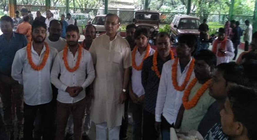 BJP Minister Jayant Sinha Felicitates 'Gau Rakshaks' Convicted for Ramgarh Murder