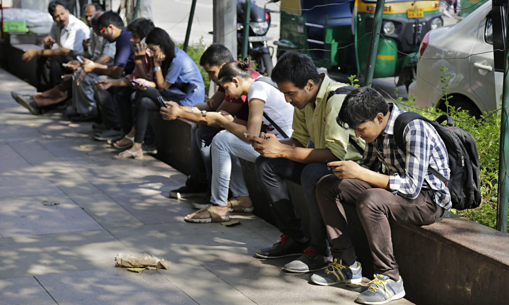 India's Telecom Industry Is Being Cracked Like a Nut, but What Should the Centre Do? - The Wire thumbnail
