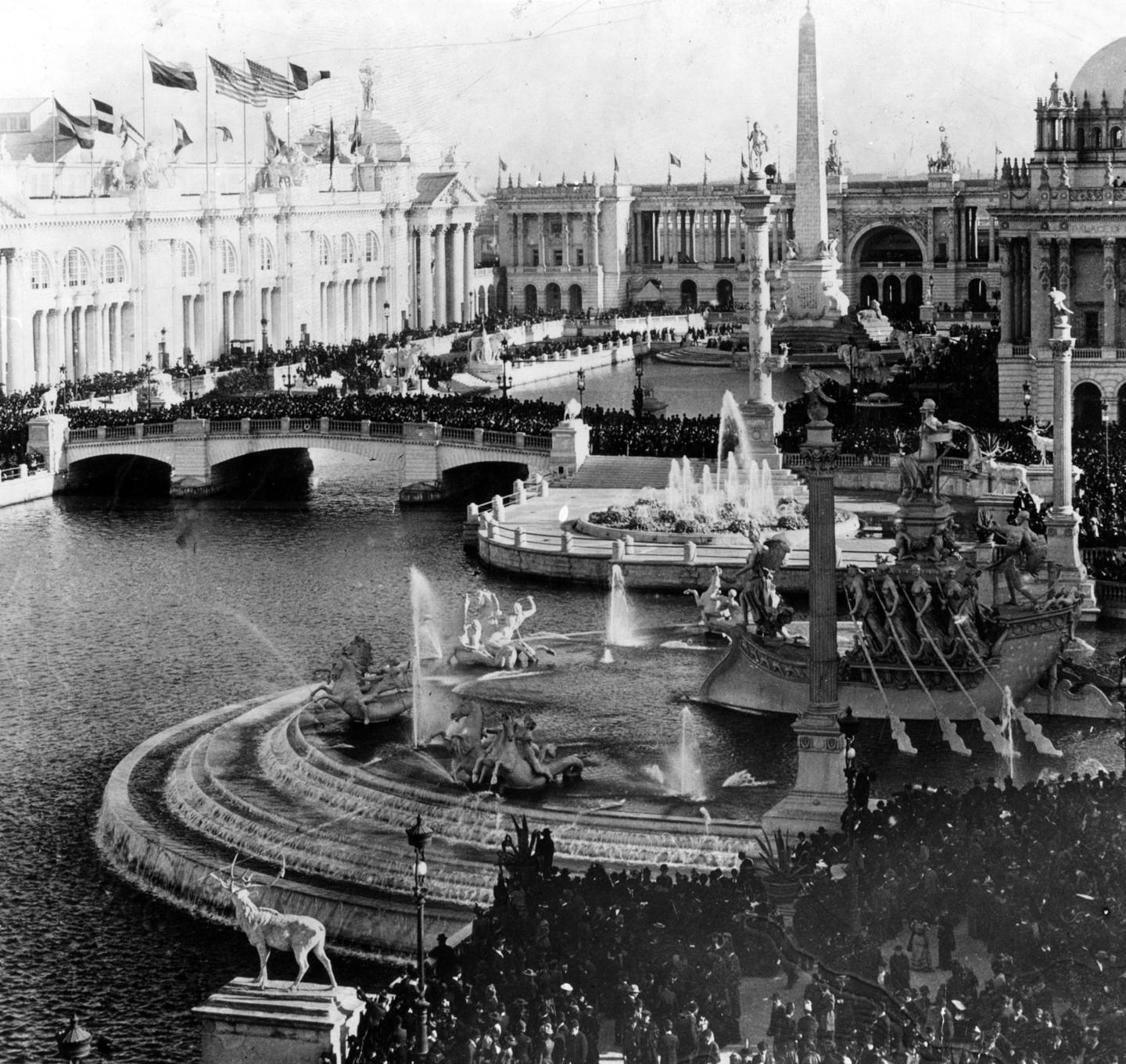 Court of Honour at the 1893 Chicago World Fair's Columbian Exposition. Credit: ACME Company/Wikimedia Commons