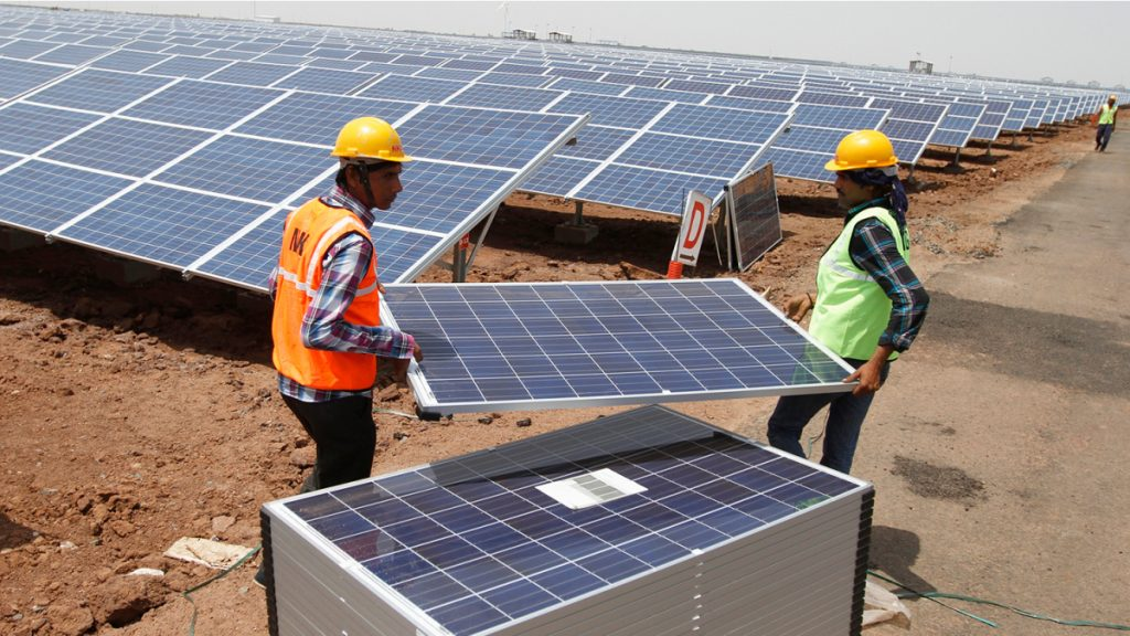 India Considers 25% Safeguard Duty for Solar Panels From China, Malaysia