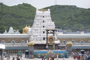 After Former Head Priest Dies Due to COVID-19, Tirumala Temple Under Pressure to Close