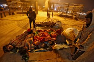 Biting Cold and Pollution Force Delhi's Homeless into Shelters