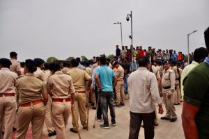 Lawyers, Theatre Personality Among Many Arrested in 'Brutal' Police Action in Ahmedabad