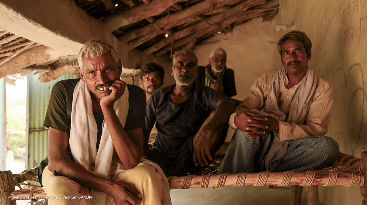 In conversation with farmers at Govindpur village, Banda district. Credit: Shridhar Sudhir/Veditum-SANDRP