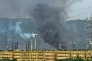 Fire at Mumbai's BPCL Plant May Have Been Put Out, But a Bigger Disaster Is Brewing