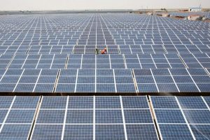 Modi's Plan to Give Farmers Solar-Powered Pumps May See Setback as FinMin Raises Budget Issues