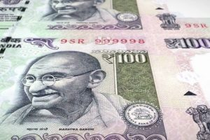 Rupee Breaks Its Three-Day Recovery Trend to Drop to 73.93 Against Dollar