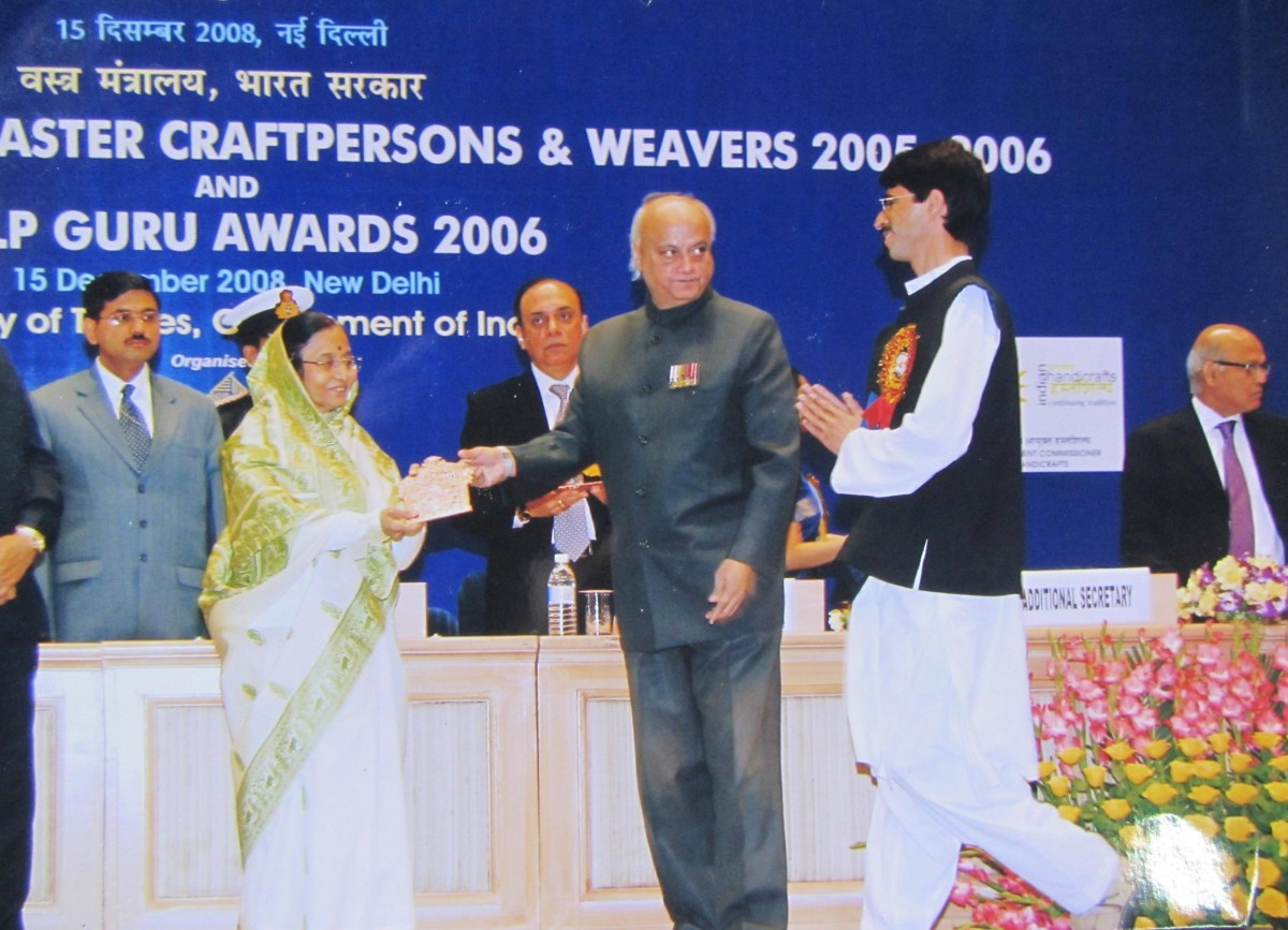 Syed Ajaz Shah receiving his National Award from the then president of India, Pratibha Patil on December 15, 2008.