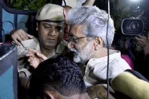 Bhima-Koregaon: SC Asks Bombay HC to Decide on Navlakha's Plea in 8 Weeks