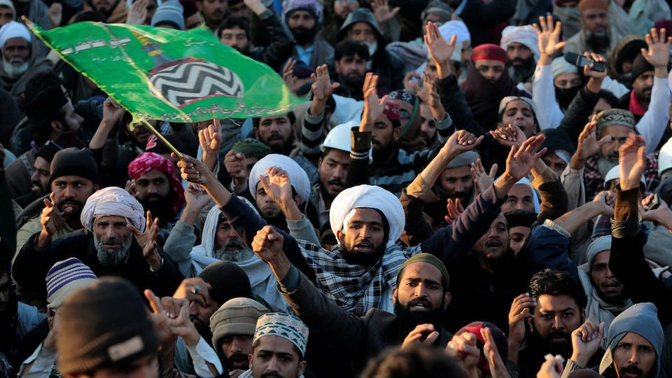 File Photo: Supporters of the Tehrik-e-Labaik Pakistan religious political party. Credits: Reuters