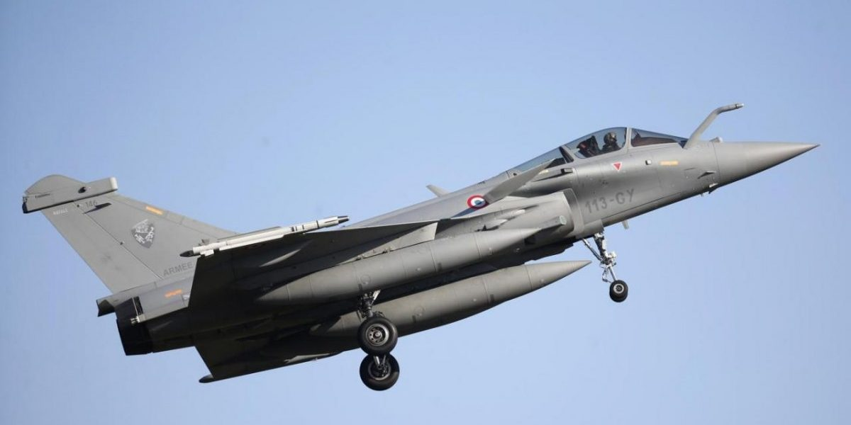 CAG Says Modi Govt Got Lower Price for Rafales than UPA, Opposition Cries Foul