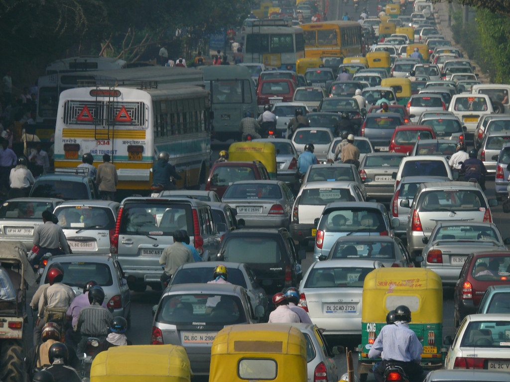 A traffic jam in New Delhi. Vehicular emissions are a big source of Delhi's air pollution. Credit: lingaraj/Flickr, CC BY 2.0