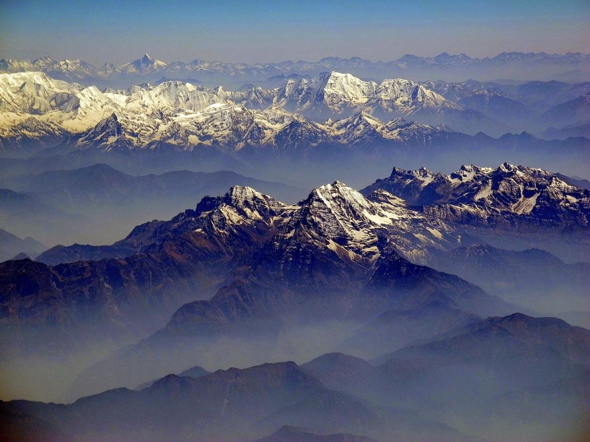 Over the Himalaya… Credit: 12019/pixabay