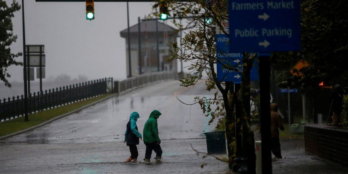Hurricane Florence Deluges Carolinas Ahead of Landfall
