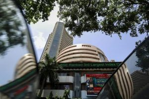 Sensex and Rupee Fall, Shrugging off Jaitley's CAD-Containing Measures