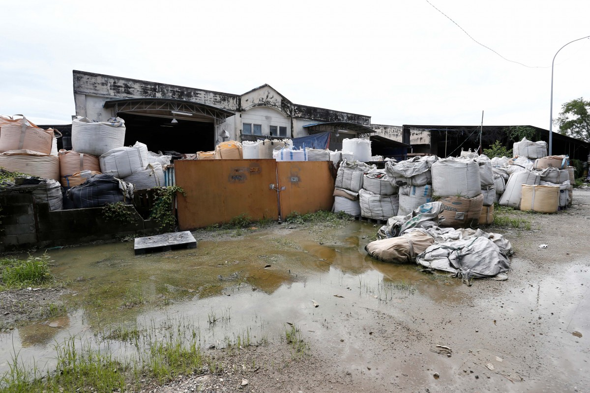 A view of an illegal plastic recycling factory in Pulau Indah, Malaysia October 14, 2018. REUTERS/Lai Seng Sin/Files