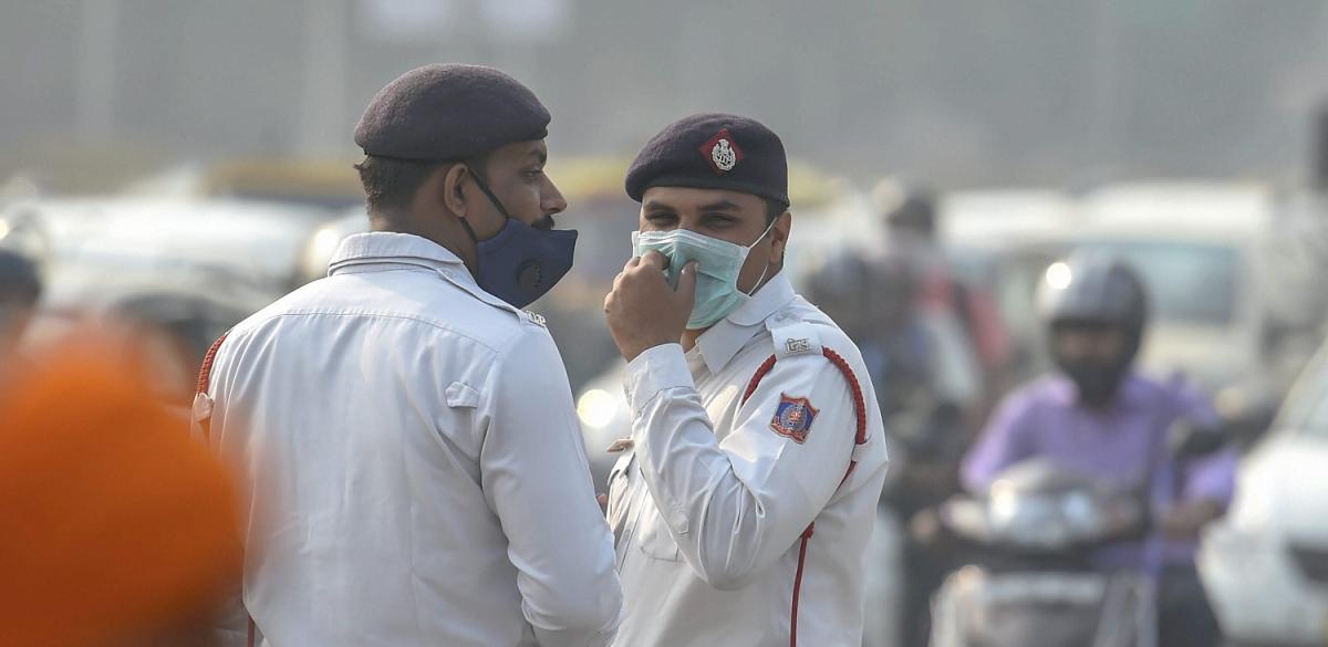Delhi's Air Pollution Level Rises Sharply Ahead of Diwali, Thick Haze Engulfs City